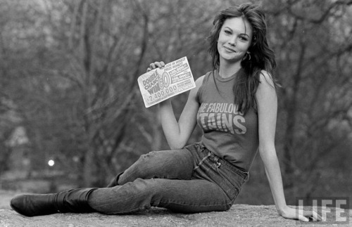 Diane Lane (via shedarkedthesun:ultrapearl)
