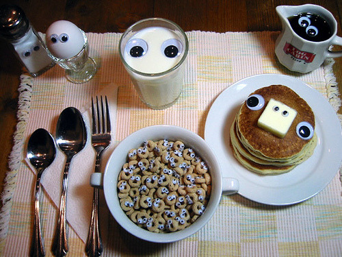 I wish that someone would make me a breakfast as cool as this. I would love them instantly.