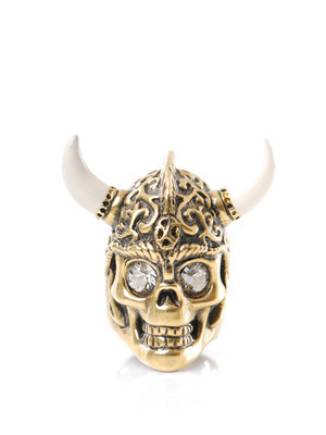 Alexander McQueen Gold Warrior Ring (via ahhhhhimscared)