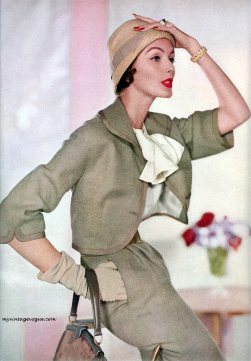 Vogue February 1957 - Photo by Horst Conde Nast Archive