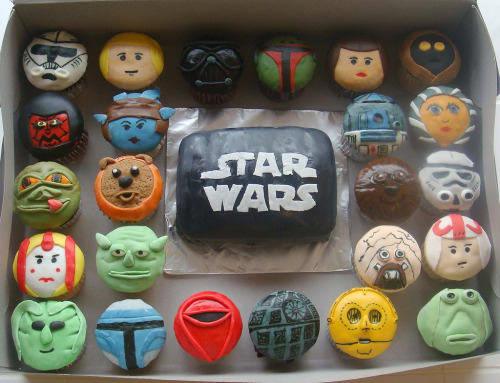 Star Wars cupcakes by lclllc.  These are just damned awesome.
