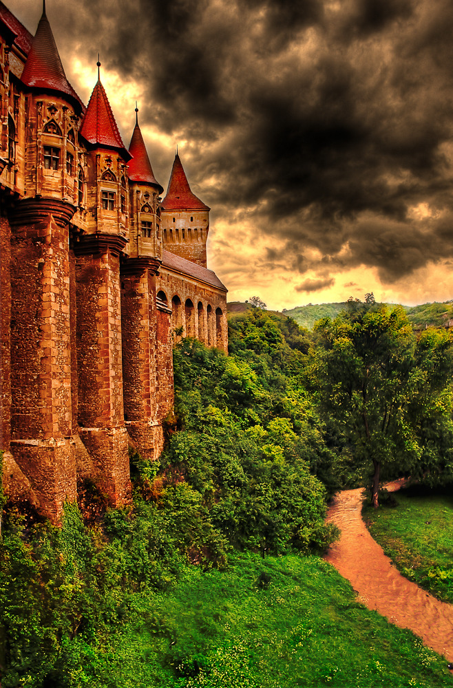 moonlightrainbow:  scrisori-de-sertar:  allthingseurope:  Hunyad castle, Transylvania, Romania via Dan Hiris Stories say that Vlad Tepes, the person that inspired the Dracula character, has been imprisoned here for 7 years after being deposed in 1462