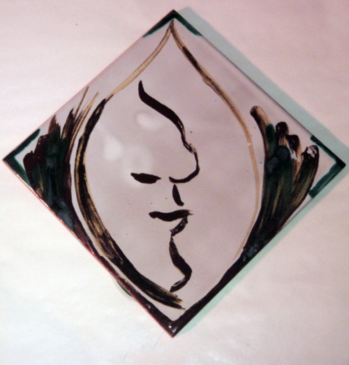Profile. 2010 Porcelain tile with majolica glaze.