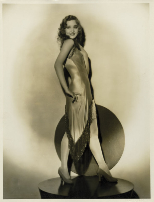 (via valentinovamp) Marian Marsh - 1930s Not to rub it in, but have met her, did discuss our mutual love of John Barrymore and do have her autograph.  <3
