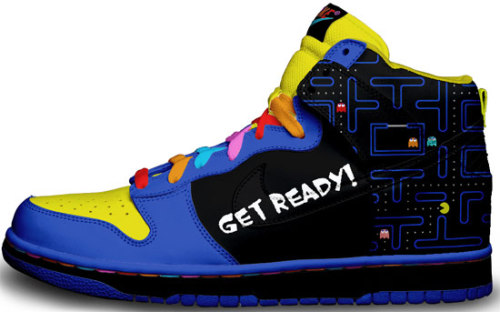 illillill:  Creative and amusing custom designed sneakers » This Blog Rules | Why go elsewhere?