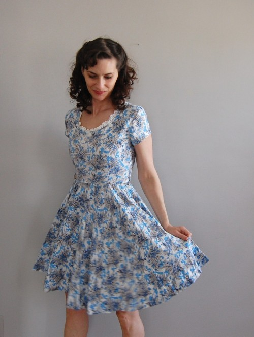 vintage 1950s SHADOW FRONDS dress $54 on Etsy from DearGoldenVintage