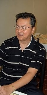 "itsheavyduty:  THIS is Roberto ""Bob"" Ong.. a Filipino contemporary author known for using conversational Filipino to create humorous and reflective depictions of life as a Filipino. ABNKKBSNPLAko?!(Aba, Nakakabasa na pala Ako!) (2001) Bakit Baliktad Magbasa ng Libro Ang Mga Pilipino? (2002) Ang Paboritong Libro ni Hudas (2003) Alamat ng Gubat (2003) Stainless Longganisa (2005) Macarthur (2007) Kapitan Sino (2009)According to a reliable source Bob Ong's upcoming book will be entitled ""Tandang Makata"".  This is NOT the author of ABNKKBSNPLAko?!(Aba, Nakakabasa na pala Ako!) (2001) Bakit Baliktad Magbasa ng Libro Ang Mga Pilipino? (2002) Ang Paboritong Libro ni Hudas (2003) Alamat ng Gubat (2003) Stainless Longganisa (2005) Macarthur (2007) Kapitan Sino (2009)…BUT according to a reliable source, this could be a marketing ploy for a book entitled ""Tandang Makata""…if such existed."