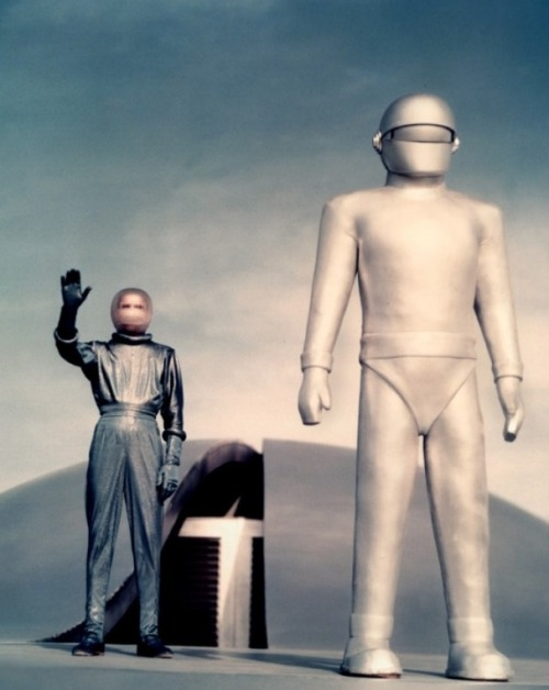 "The Day The Earth Stood Still (1951, dir. Robert Wise) (via) ""Number one, it was (for once) an alien from outer space who was not an evil alien. Also, it was a science fiction film set on Earth here, and I thought that was marvelous. I liked the setting, the fact that it was in Washington, the heart of our country. I thought that made it very real, very believable, very mundane. I tried to heighten that with my casting, too. I wanted to make it just as credible and believable as it could possibly be, and I think that is one of its strengths."" -Robert Wise, quoted in Tom Weaver's It Came from Weaver Five"