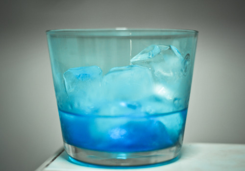 Blue curacao + gin + blue tinted old fashioned glass = a sweet entry into a blue monday…