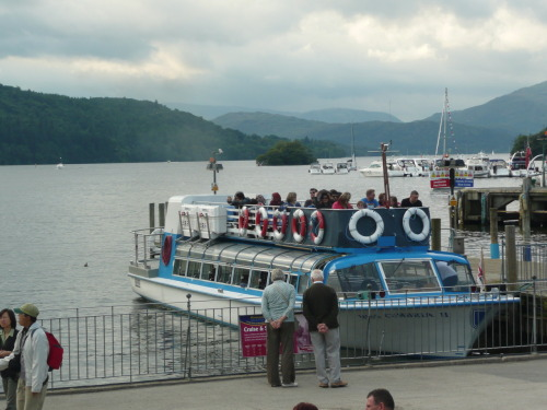 Day 362 of 365 (08 Aug 2010) - Bowness-on-Windermere Lake Cruise Plenty of people were heading out on the lake cruise in Bowness-on-Windermere, even if it wasn't the sunniest day ever. - by zawtowers