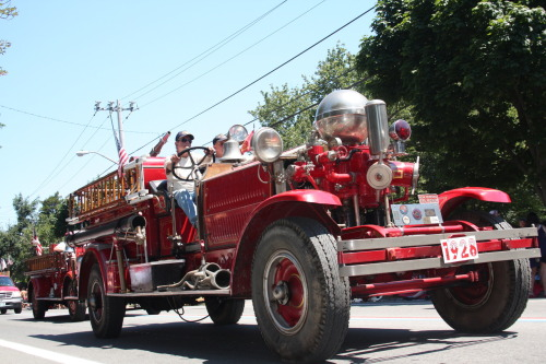 Fire Truck (Bristol 4th of July Parade 2010)