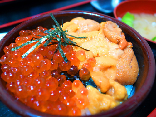 gkojaxmeetsrebloggersuptown:  fileofood:  道の駅らうす食堂 (via yx888)