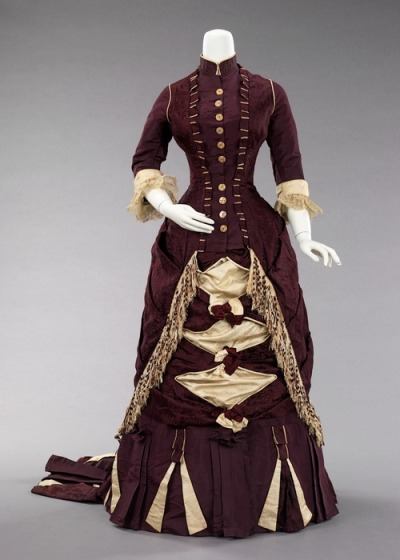 Afternoon dress, 1880   As you may have noticed from the recent lack of posts, I think I have lost much of my interest in blogging. I decided to learn how to sew and hopefully I will sometime in the future be able to create sartorial gems and not just stare in awe at them. I am currently trying to find something which could make me excited about coming back to this blog. You will all notice if that happens. Until then, the frequency of posts is most likely to steadily decrease. I will not delete whattheywore so everyone can still enjoy the archive if they want. A big thanks for each one of the followers! <3