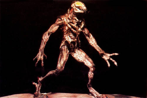 hxcfairy:  The original design for the creature in the 'Predator' movies…  So, there's this scene in Predators where Topher Grace is getting chased by what our heroes assume is a predator, but turns out to be some other creature, presumably yet another species that the predators deposited on that planet to hunt (unless I got that wrong).  I didn't get a good look at it, but I thought it kinda looked like this guy.  If so, and if that was intentional, that's pretty great.