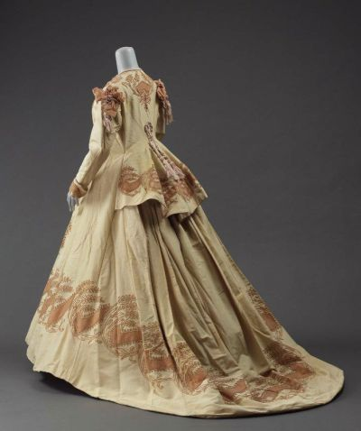 defunctfashion:  Afternoon Dress | c. 1865  Wow this is perfect!
