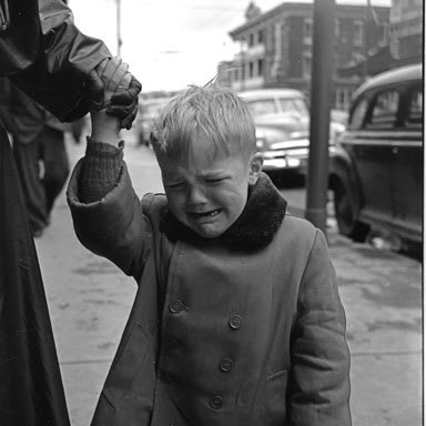 [Vivian Maier - Her Discovered Work] I am blown away by Maier's choice of subjects and her composition.