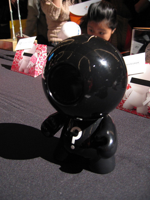 8-Ball Munny (by misocrazy)