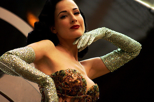 everythingisquiethere:  latinamericana:  (via -littlebones)   Dita Von Teese