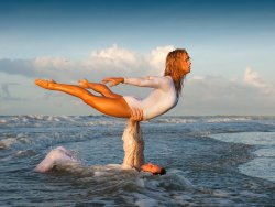 fortheloveofdance:  Copyright Richard Calmes 2010