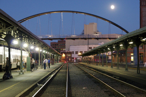 Portland, Oregon Train Station (by Ralphman)