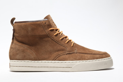 "Dope Kicks | CLAE 2010 Fall/Winter Jones Quickly becoming one of my favorite lines of footwear, the Fall/Winter selection kicks off with a promising start.  Constructed for purpose, but made with style, the ""Jones"" is crafted footwear, designed to fit the rigors of today's working man. Durable uppers seamed to a modern cup sole provides everyday comfort with distinct sophistication that won't go unnoticed. The first delivery for fall includes three colors: Black Oil Pull Up Leather, the new Flint Suede and Walnut Suede. Available soon at Barneys with a price tag of $140. Updates to follow as the Fall/Winter lookbook becomes available.  Check out other lines at www.clae.com. Dope."
