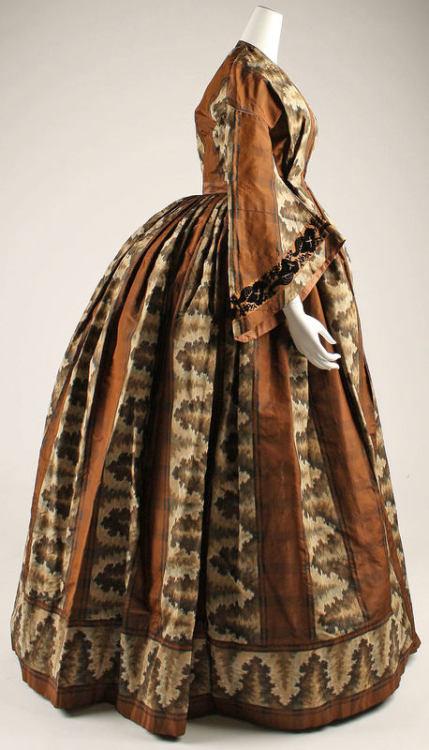 Visiting Dress | c. 1850 heeeey badonk.