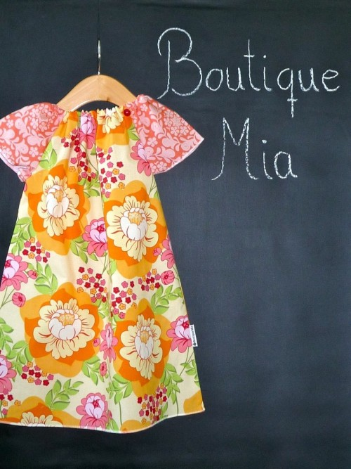 BoutiqueMiaAndMore (via DIY KIT Peasant Mini Dress Sandi Henderson by BoutiqueMiaAndMore )