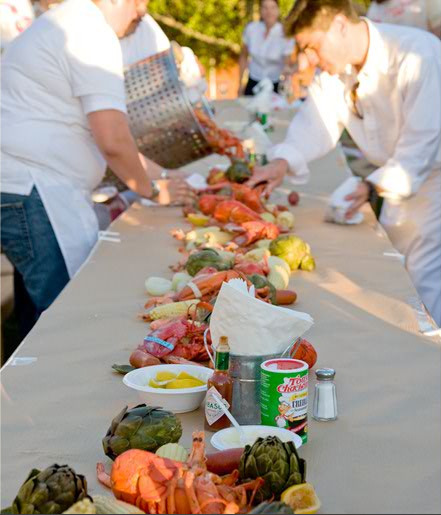 (via camille style events flickr) Love the idea of doing a lobster bake for a wedding reception or for the wedding rehearsal :)  But then you isolate all the vegetarians by having such a featured item….but then I like lobster…sooooo weh weh wehhh.