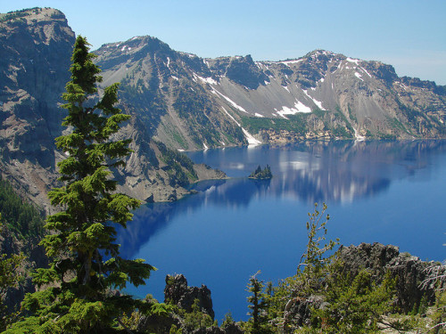Phantom Ship, Crater Lake National Park (by Steve Pierce) Crater Lake National Park, Oregon. <3