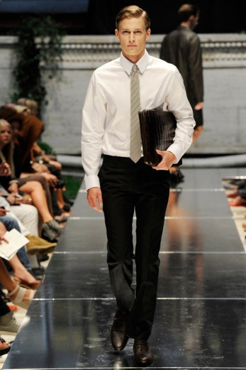 urbanemenswear:  Great professional work/internship look from Bruuns Bazaar Spring 2010