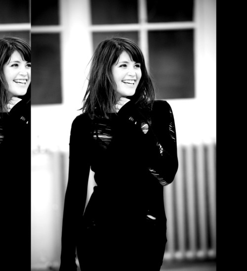 Top 10 Gemma Arterton Photos  2. 'The Little Dog Laughed' rehearsals.   So simple. It's not posed, it's not over done, it's very real. She looks beautiful.