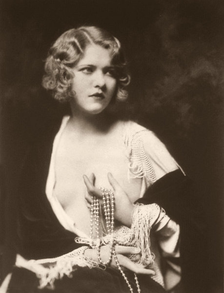 ziegfeld-follies:  Ruth Patterson Ruth Patterson performed in Ziegfeld's musical Smiles (1930-1931) and in the Ziegfeld Follies of 1931. Photo:  Alfred Cheney Johnston (Via Historical Ziegfeld)