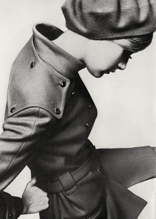Twiggy by Just Jaeckin / September 1967 - UK Vogue