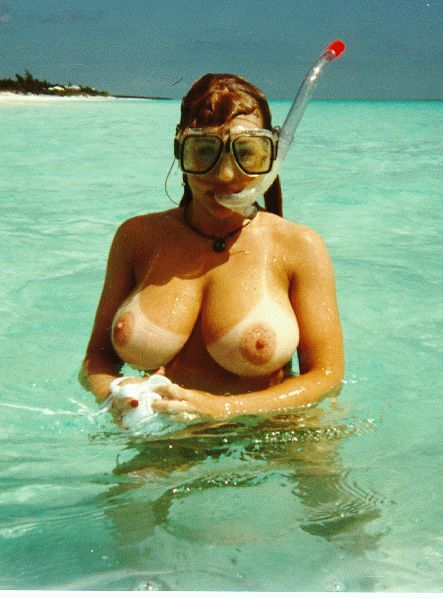 Mature nude Blonde scuba pool fuck 8, Sex pictures on emyfour.nakedgirlfuck.com