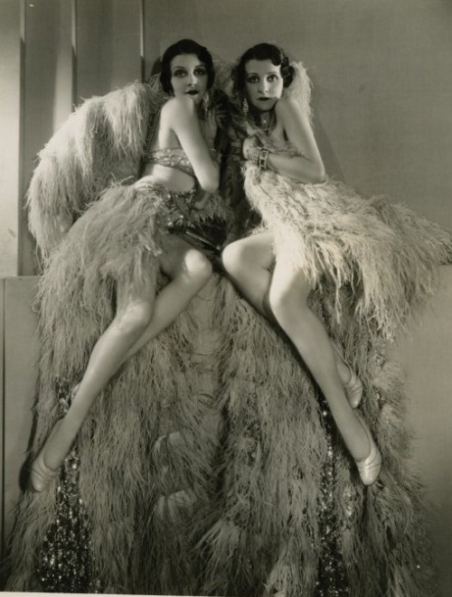 avanishedtime:  Beth and Betty Dodge  Photo:  George Hurrell - 1930