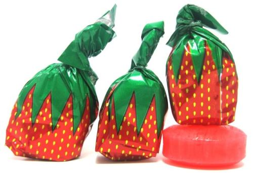 imremembering:  Those Strawberry Candies   I loved these things!  the middle was chewy XD