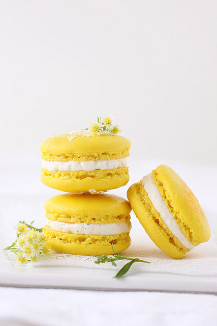 meyer lemon macarons (by Aran)