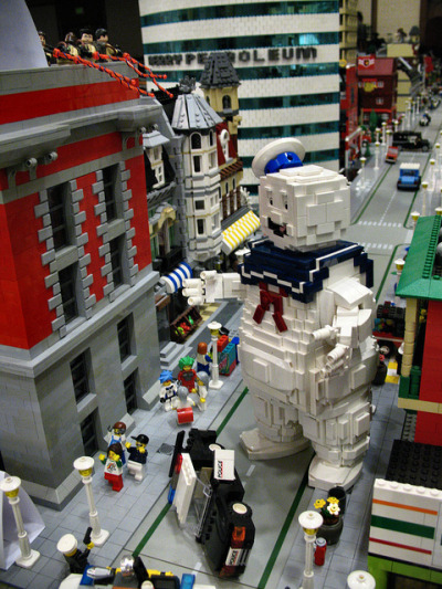 legoexpress:  lukethebasset:  Don't cross the streams!
