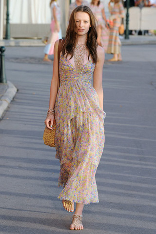 Chanel Resort 2011. Love it. :)