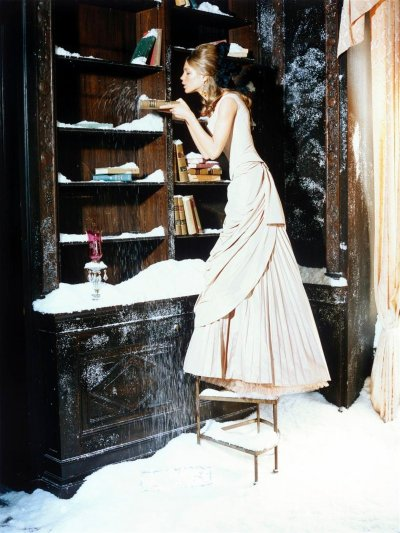 laceandlattes:  Natalia for Vogue Italia November 2002 ph: Ellen von Unwerth