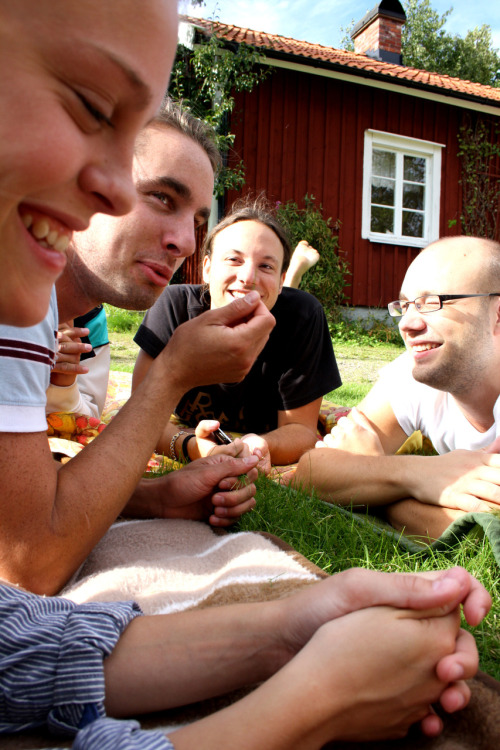 """Good bye summer"" at Eriks summerhouse with vollyball, BBQ, chilling and outdoor movie… COZY!"
