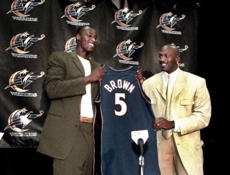 """I wish I knew how to quit you!"" Michael Jordan and the Charlotte Bobcats have signed Kwame Brown to a vet-minimum 1-year deal. @Suga_Shane"