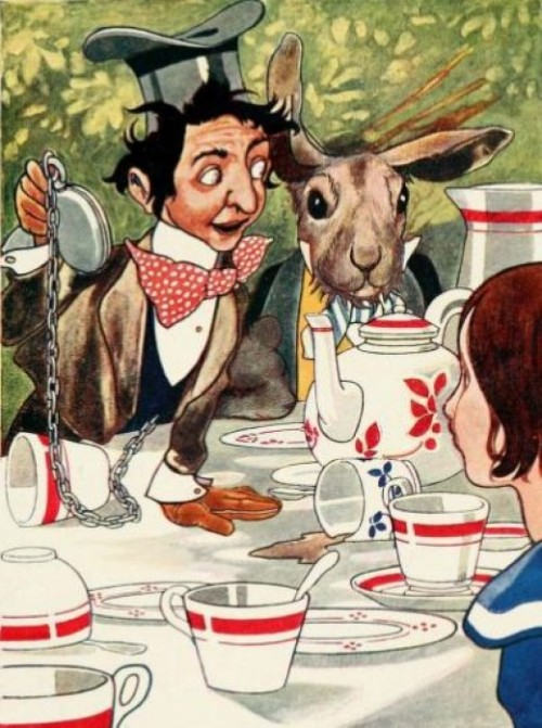 Alice in Wonderland Illustrated by John Tenniel