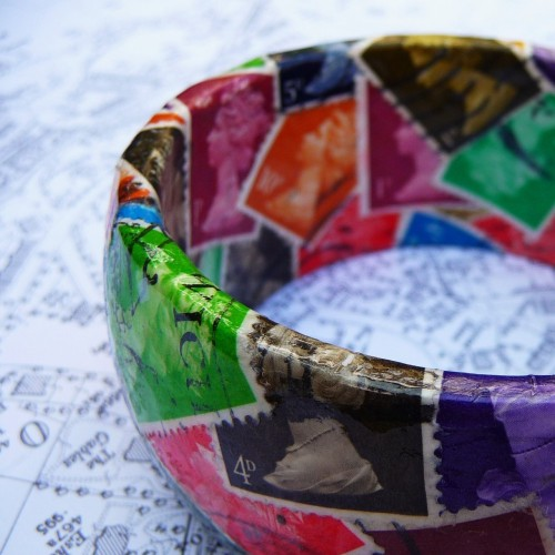 goodmailday:       british postage stamp bangle - eclectic mix by TalithaAstrellita       I love stamps, and I especially love them when they're re-purposed for crafts!