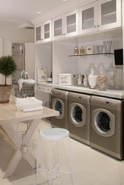 midorimore:  turquoisetulipsandbliss:  Wednesday's Washer and Dryer Hideaways!