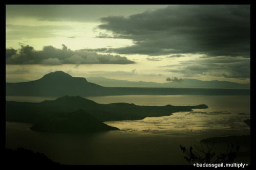 day 26. a photo of your favorite weekend A view of Taal Volcano from the Taal Vista Hotel. A recent weekend trip w/ La Familia David to Tagaytay (technically not a weekend but an extension of a weekend).  All we did was take in the scenery from the car, think of the next place to eat, spent a little time at the spa, enjoy the weather, and eat again! =))