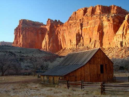 Capitol Reef National Park (by Steve Pierce) Capitol Reef National Park, Utah.