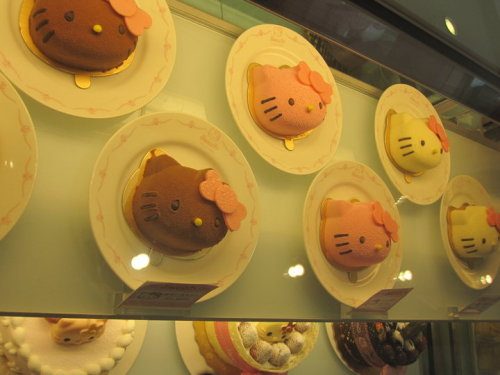 Hello Kitty Sweets Cafe in Taiwan :)