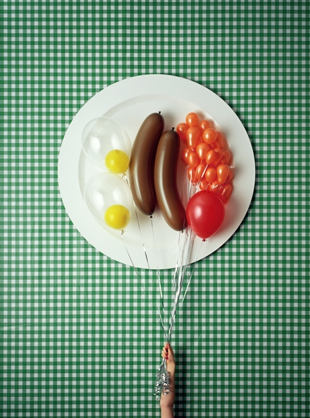 See a few more food photos by David Sykes. (via crystalginn, circumstance)