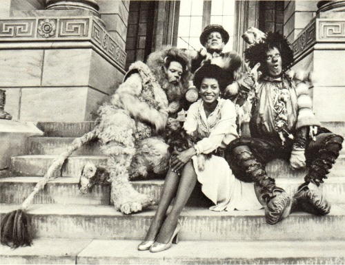 wayblackwhen:  40years:  On set of The Wiz. Michael is perfectly in character and Diana is absolutely adorable here.